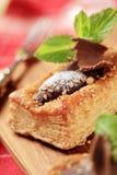 Schokolade gefüllter Blätterteig stockfotos
