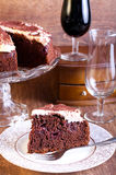 Schokolade, Rotwein und Kirschkuchen Stockbilder