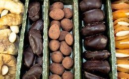 Schokolade und Dörrobst Stockfoto