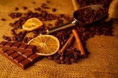 Schokolade und Kaffee Stockfotos