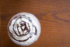 Schokolade und Schlagsahne Lizenzfreie Stockbilder