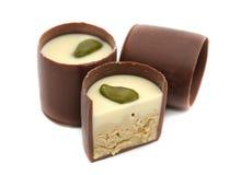 Schokoladen-Bonbons mit Pistazie stockfoto