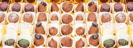 Schokoladen, Bonbons und Trüffeln Stockfoto