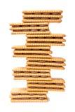 Schokoladen-Creme gefüllter Keks-Turm Stockfotos