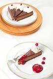 Schokoladen-Himbeere-Käsekuchen Stockfoto