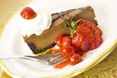 Schokoladen-Kirschkäsekuchen Stockfotografie