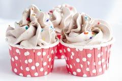 Schokoladen-kleiner Kuchen mit Gabel lizenzfreies stockfoto