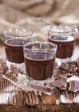 Schokoladen-Likör-Schüsse lizenzfreie stockfotografie