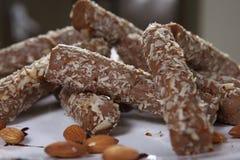 Schokoladen-Mandel Rolls lizenzfreies stockfoto