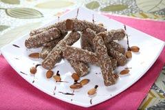 Schokoladen-Mandel Rolls lizenzfreies stockbild