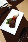 Schokoladen-Nachtisch mit Eiscreme Lizenzfreies Stockfoto