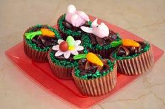 Schokoladen-Ostern-kleine Kuchen Stockbilder