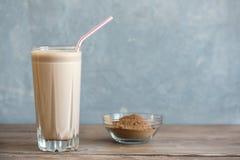 Schokoladen-Proteindrink stockfotos