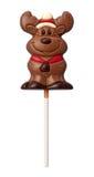 Schokoladen-Ren getrennt mit Ausschnittspfad Lizenzfreies Stockfoto