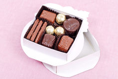 Schokoladen-Süßigkeit-Geschenk-Kasten lizenzfreies stockfoto