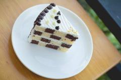 Schokoladen- und Butterschwammkuchen Lizenzfreies Stockfoto