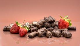 Schokoladen und Erdbeeren Lizenzfreies Stockbild
