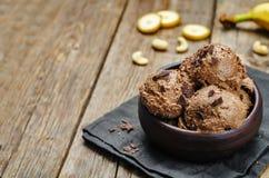 Schokoladenbananenacajoubaum-Eiscreme des strengen Vegetariers Lizenzfreies Stockfoto