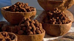 Schokoladenbonbons am Markt des Landwirts in London Stockbilder