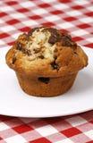 Schokoladenchip-Muffin stockfotografie