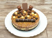 Schokoladencreme-Kuchen lizenzfreie stockbilder