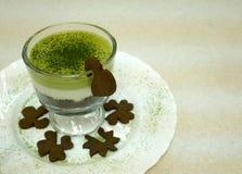Schokoladencremetorte des grünen Tees weiße Stockbild