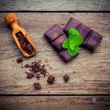Schokoladenhintergrund- und -nachtischmenü Bestandteile für Bäckerei ch Lizenzfreies Stockfoto