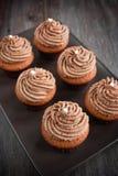 Schokoladenkleine kuchen Stockfotos