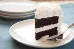 Schokoladenkokosnußkuchen Stockfotos