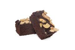 Schokoladenkuchen lokalisiert auf weißem Hintergrund stockbild