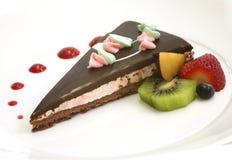 Schokoladenkuchen mit frischem frui Stockbilder