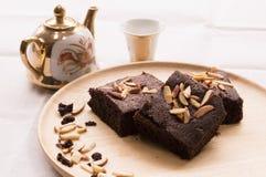 Schokoladenkuchen mit Mandel Stockbild
