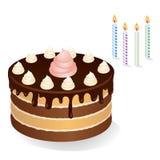 Schokoladenkuchen mit Sahne und Kerzen Lizenzfreie Stockbilder