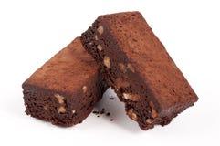 Schokoladenkuchen mit Walnüssen Stockbild