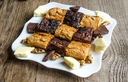Schokoladenkuchen und blondies Lizenzfreie Stockfotografie