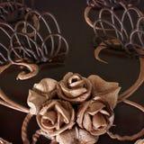 Schokoladenkuchenabschluß oben Schokoladen-Gebäck-Dekorationen stockbilder