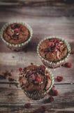 Schokoladenmoosbeermuffins Stockfotografie