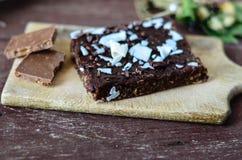 Schokoladennuss-Schokoladenkuchenkuchen stockfoto