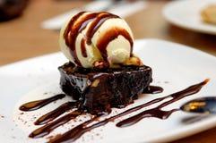 Schokoladenschokoladenkuchen Stockfotos