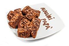 Schokoladenschokoladenkuchen auf weißer Platte Lizenzfreies Stockbild