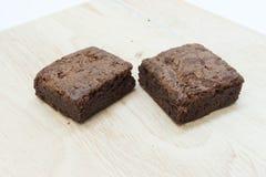 Schokoladenschokoladenkuchenkuchen auf hölzernem Hintergrund Lizenzfreie Stockfotos