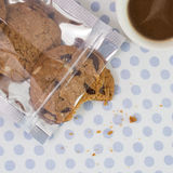 Schokoladensplitterplätzchen mit Mandel lizenzfreie stockfotografie