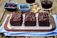 Schokoladensplitterschokoladenkuchen der roten Bohnen stockfotografie