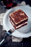 Schokoladentorte mit Walnusscreme Stockbilder