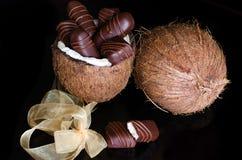 Schokoriegel gefüllt mit Kokosnuss Lizenzfreie Stockbilder