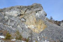 Schommel de kaap Bolshoy Kadilny op het meer Baikal, Rusland stock afbeeldingen