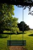 Schommeling op een boom Ierland stock afbeelding