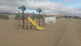 Schommelingspark op het strand, Fuerteventura, Canarias royalty-vrije stock afbeeldingen
