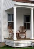 Schommelstoelen op de Portiek Royalty-vrije Stock Foto's
