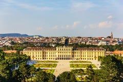 Schonbrunn pałac w Wiedeń, pełny widok z lotu ptaka zdjęcie royalty free